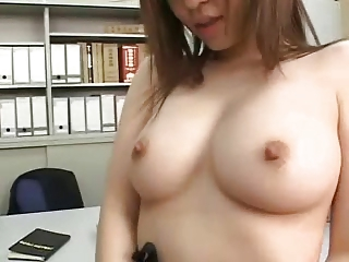 Shapely Japanese Beauty Gets Massive Cumshots